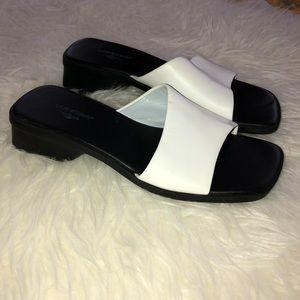 DOCKERS White Leather Slip On Sandals Sz 7.5